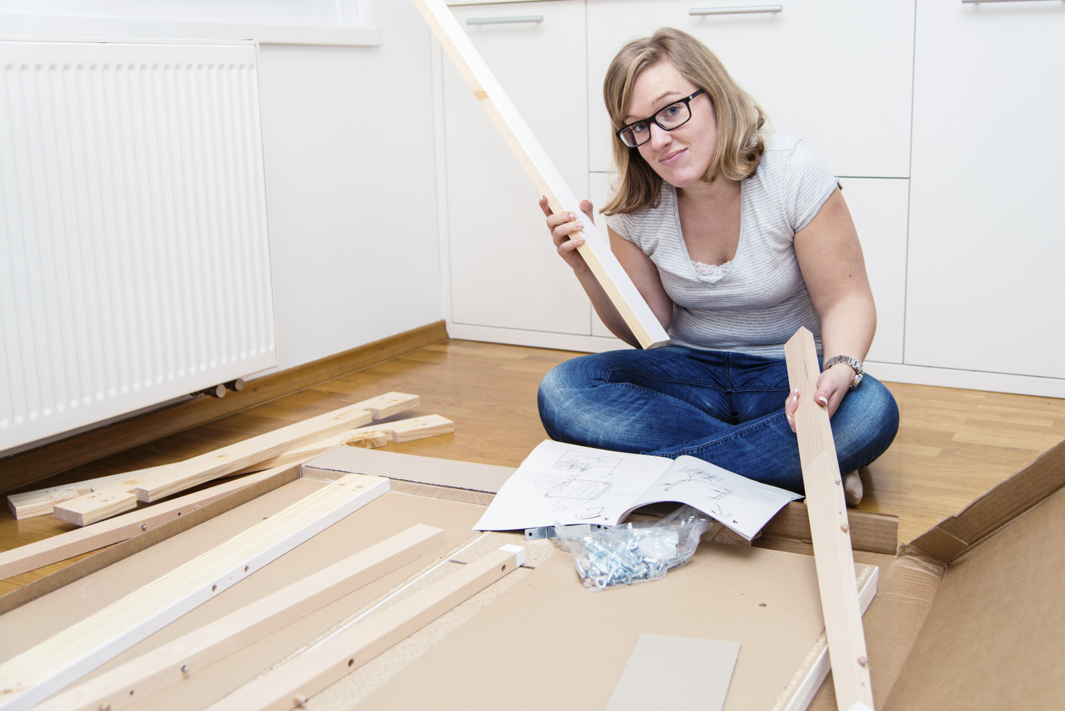 Flat pack furniture assembly tips hirerush blog for Tools to assemble ikea furniture