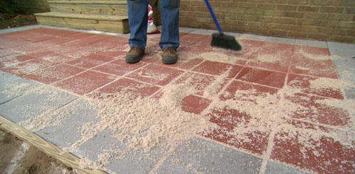 filling gaps between patio pavers