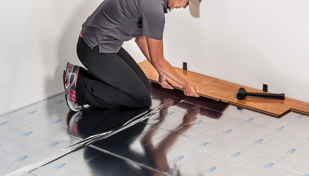 11 steps how to install laminate flooring hirerush blog for Hardwood floors underlayment