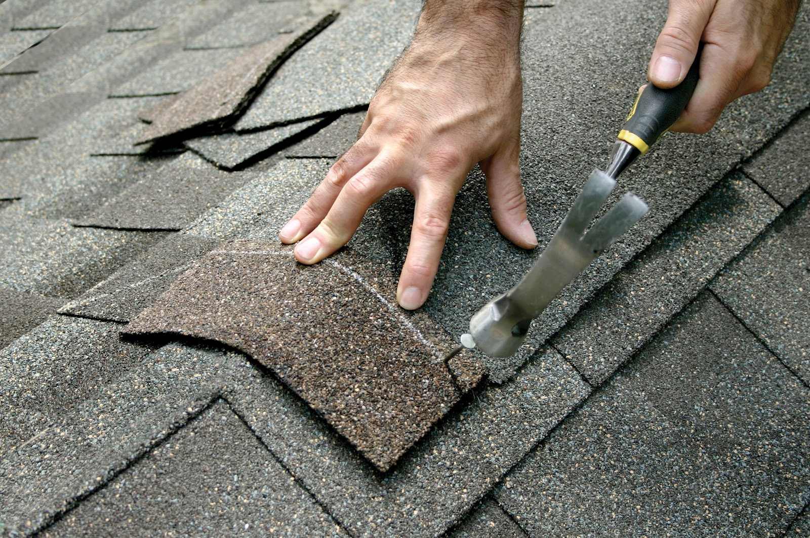 How To Install Roof Shingles Hirerush Blog