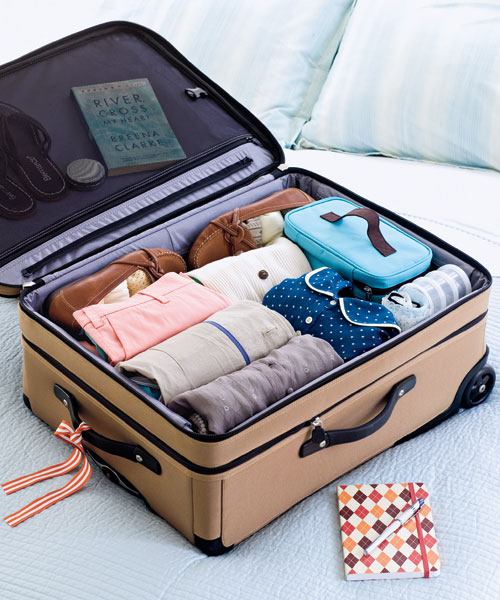 How to pack a suitcase 4 method 12 tips hirerush for Best way to pack shirts