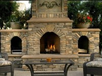 How to build a wood-burning brick outdoor fireplace
