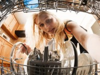 7 Steps of How to Clean a Dishwasher