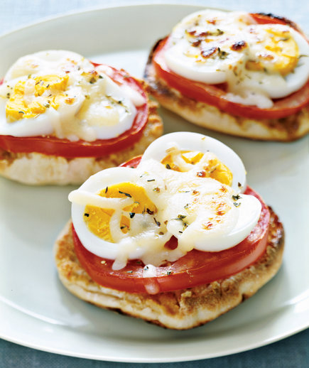 Kids Favorite Juice Egg And Tomato Pizza Bites For Breakfast