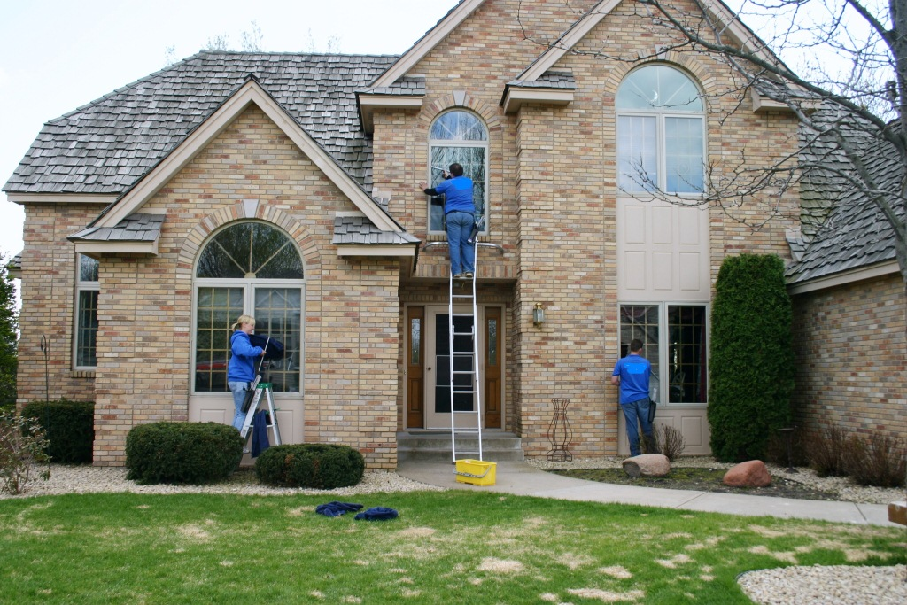 How To Start A Window Cleaning Business Hirerush Blog