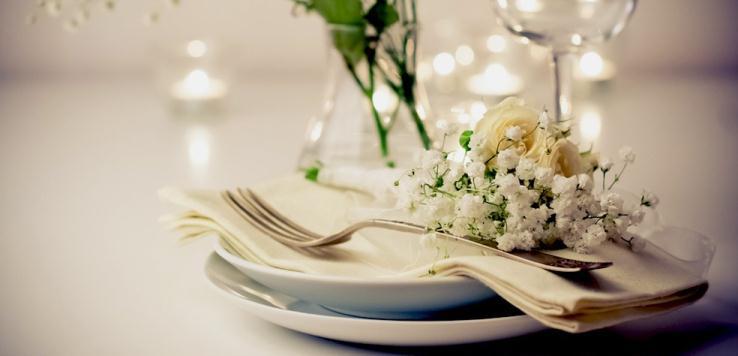 Wedding food ideas on a budget | HireRush Blog