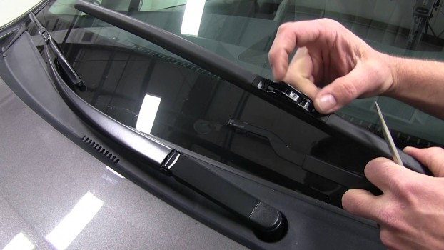 Windshield wipers replacement guide | HireRush Blog