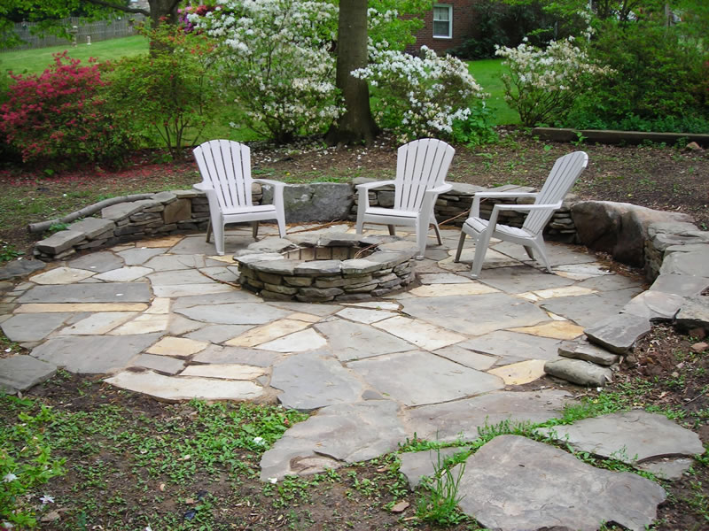 How to build a fire pit 5 diy fire pit projects for How to build a river rock patio