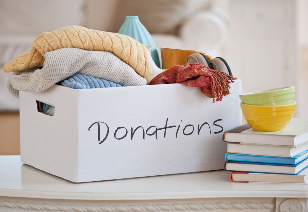 3 Ways to Donate Clothing to Charity - wikiHow