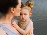 Postpartum depression: symptoms and how to deal with it