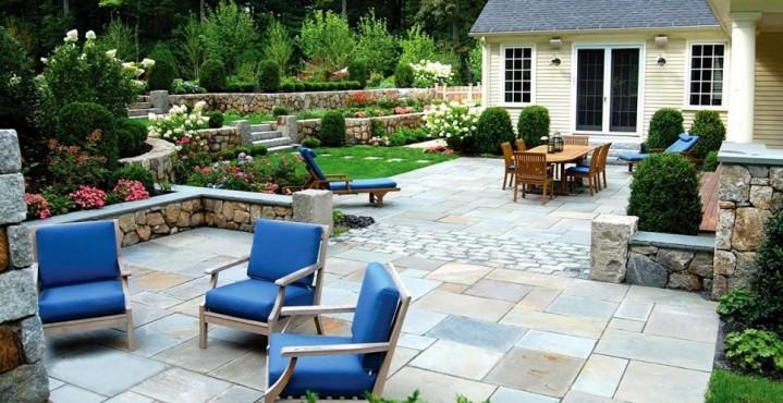 Backyard design ideas and DIYs | HireRush Blog on landscaping for backyard, water garden ideas for backyard, kitchen for backyard, craft ideas for backyard, colors for backyard, projects for backyard, inspiration for backyard, accessories for backyard, lighting for backyard,