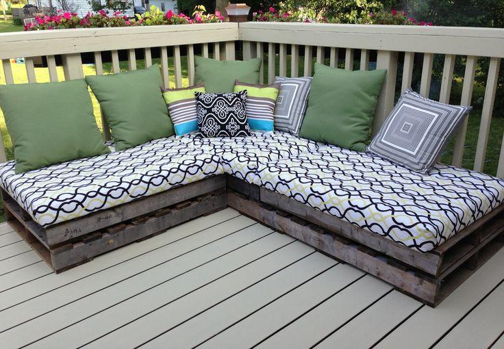 backyard pallet sofa