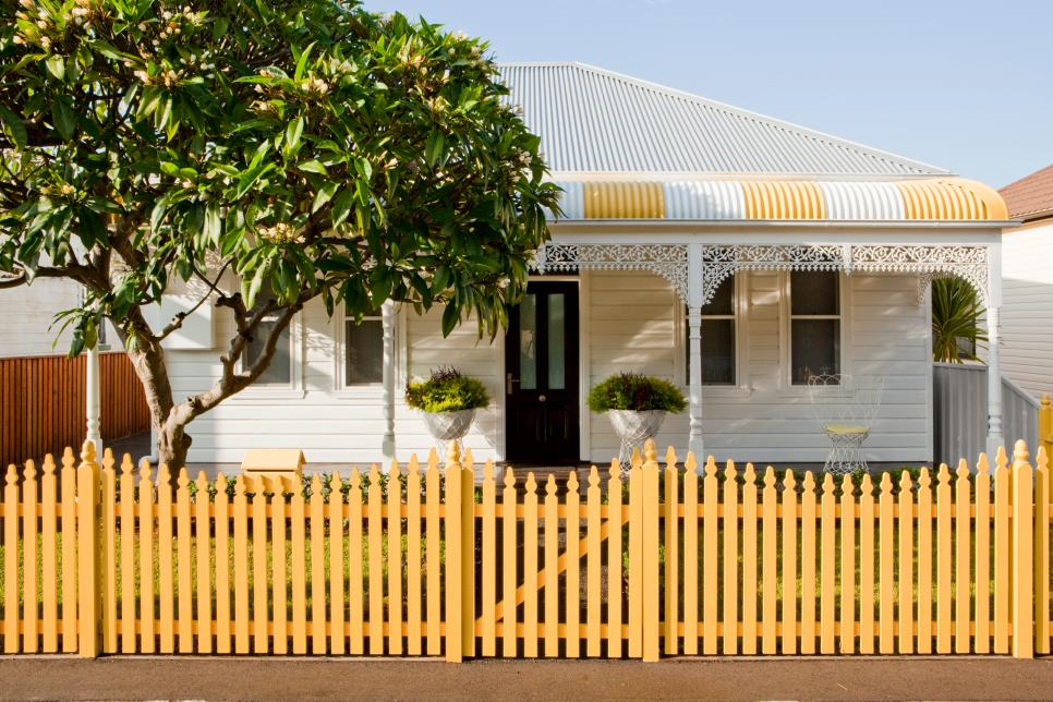 ... Cute Yellow Wood Picket Fence Part 97