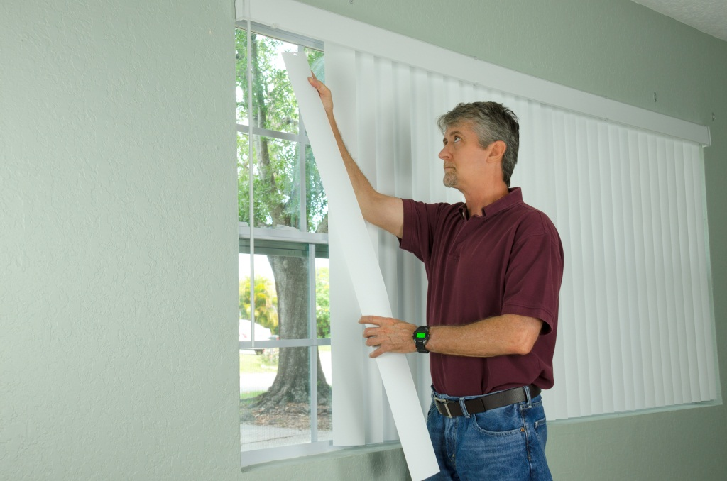 ma hanging vertical blinds to keep house cool in summer