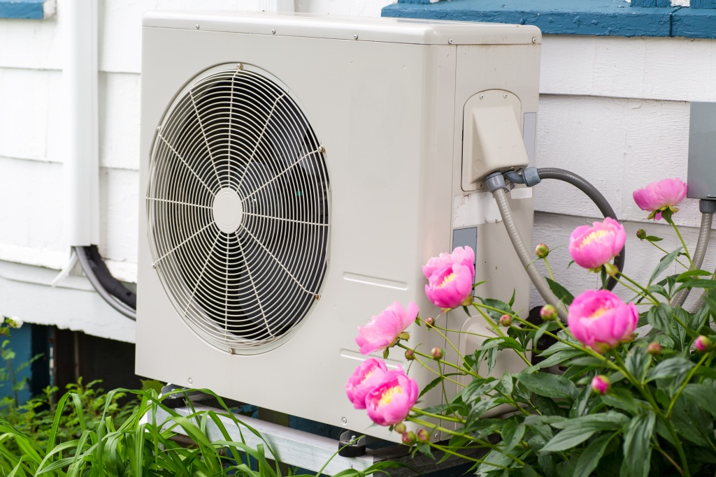 A/C to keep house cool in summer