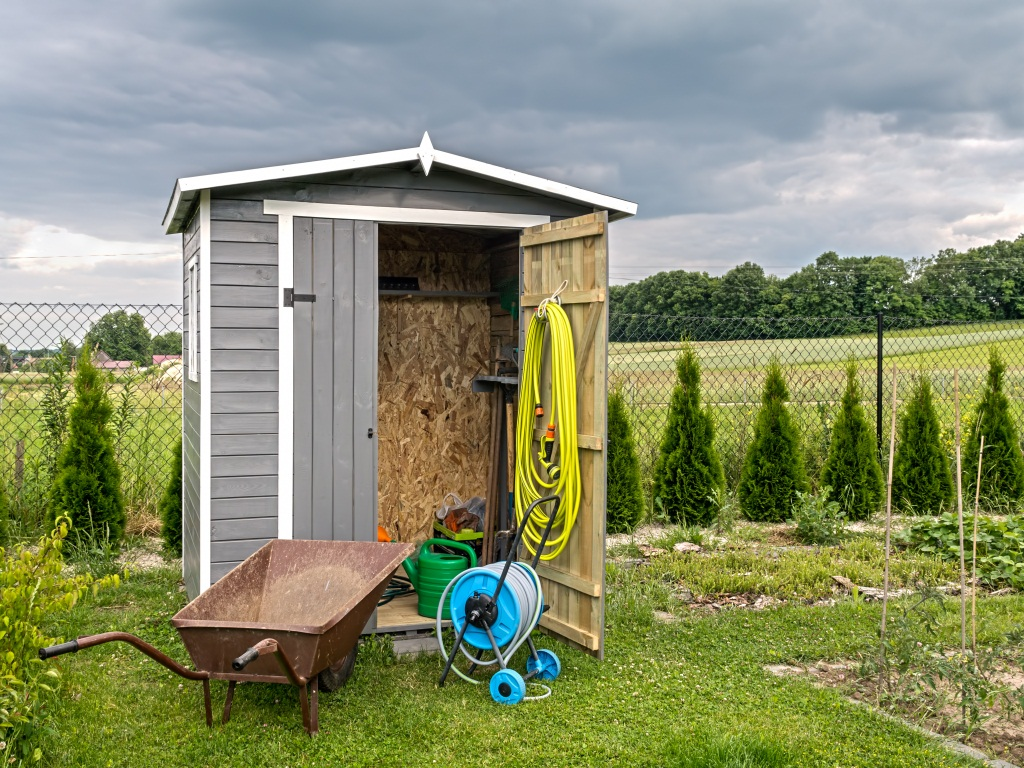 Shed organization ideas and tips hirerush blog for Garden shed organisation