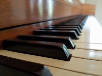 How to move a piano safely
