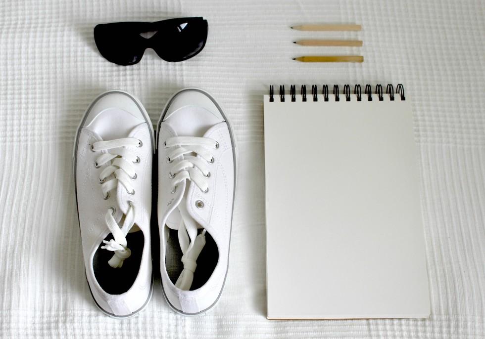 shoes-2465907_1920