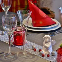 table-1930862_1920