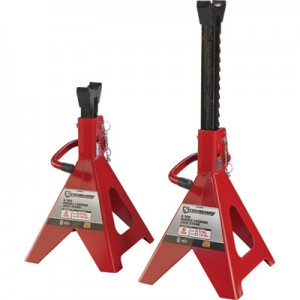car tools: jack stands