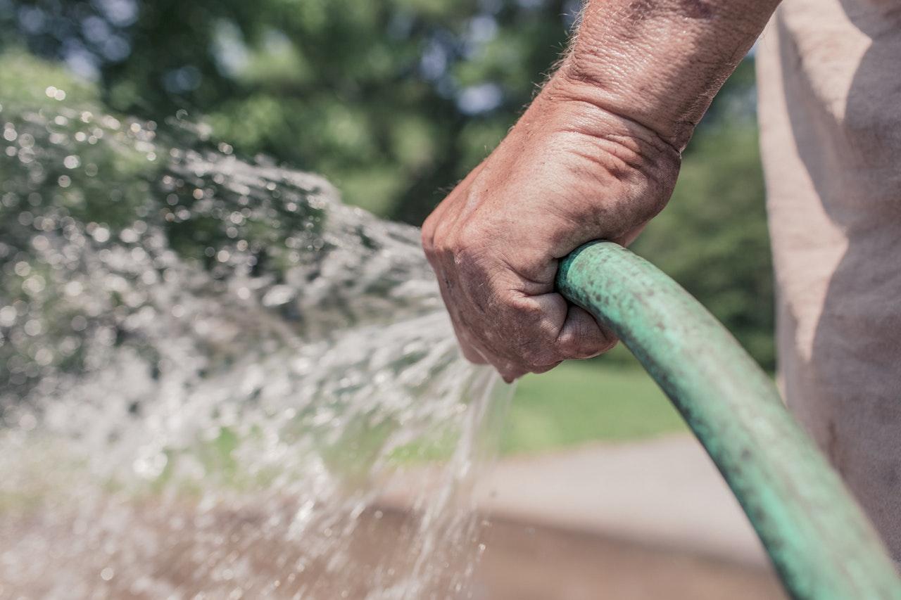 hose watering