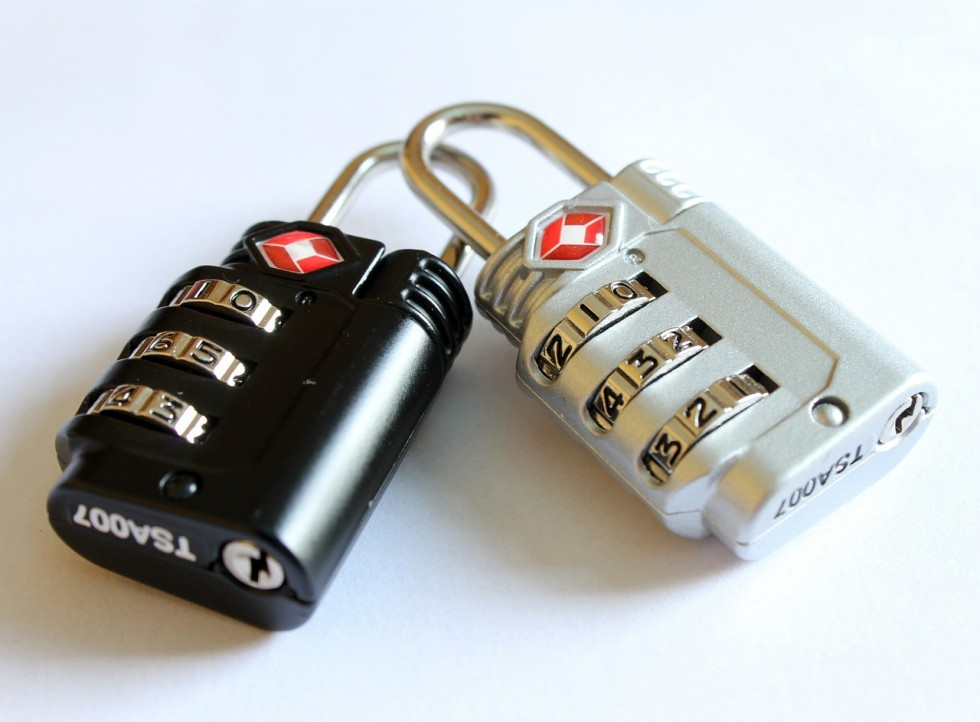 padlocks-597815_1280