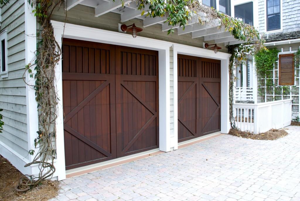 garage-door-2578739_1920