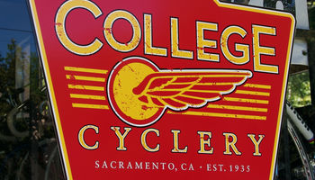 Logo College Cyclery