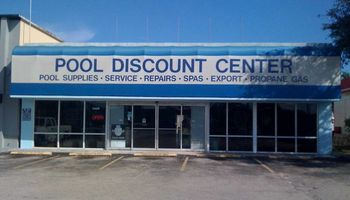 Logo Pool Discount Center