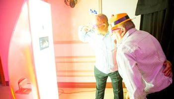 +++UNIQUE PHOTO BOOTH!!!+++
