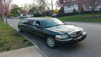 10 Passenger Black Limousine