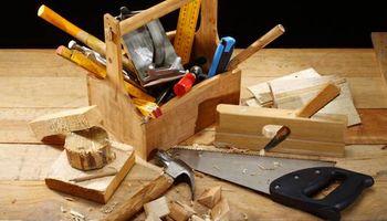 Carpenter. Framing, Trims, Cabinets, Kichen, doors...