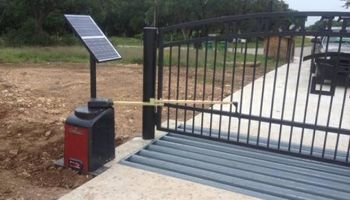 AUTOMATIC GATES. Solar / AC Power