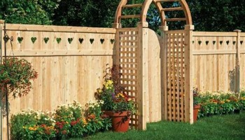 FENCE REPAIR / GATES / FENCE STAINING, ROOF / SIDING CHIMNEY REPAIR