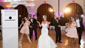 Voted best photo booth 2015 | WeddingChannel featured vendor