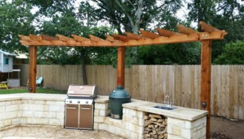 Outdoor Kitchen - Pergola