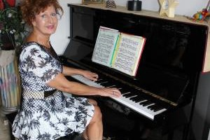 PIANO / KEYBOARD LESSONS. All ages & levels- 1st 4 lessons 1/2 price
