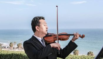 Professional Violinist, Masters Degree, Avail. for Weddings, Events