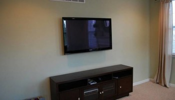 $79.99 Professionally Mounted FlatScreen TV