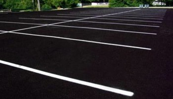Residential and Commercial Sealcoating and Striping