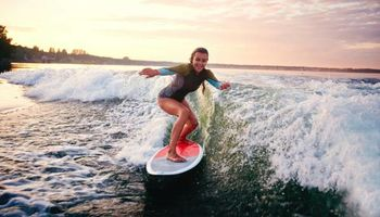 Lake Lessons - Learn to wakesurf/wakeboard
