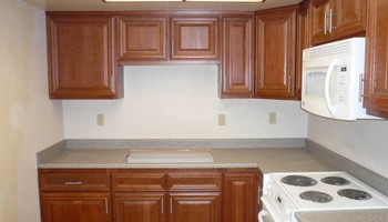 LICENSED LAMINATE COUNTERTOPS INSTALLATION SPECIALIST