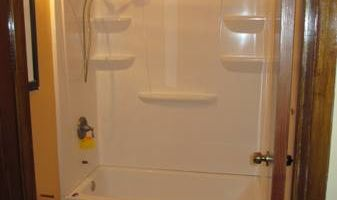 HANDYMAN SERVICE& TUB CONVERSION DRYWALL DOORS CARPENTRY ELECTRICAL