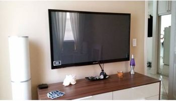 TV  on wall mounting service