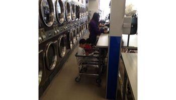 Bubbles & Suds Laundromat