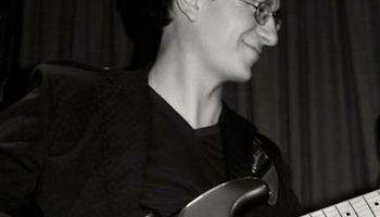 Guitar Lessons (Bossa-Nova, Jazz, Classical, Rock) - Certified Suzuki