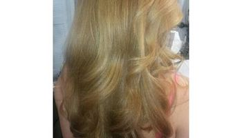 $200 Weaves ( hair included ) in Frisky Business Beauty Studio