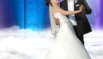 Experienced Wedding DJ, Includes UPLIGHTING, GOBO/MONOGRAM, LOW FOG