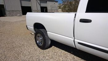 AUTO BODY AND PAINT IN ROSAMOND