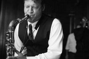 Sax, Flute, & Clarinet Teacher. Experienced